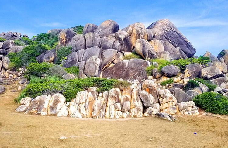 Bãi đá thảo nguyên cù lao xanh - 3