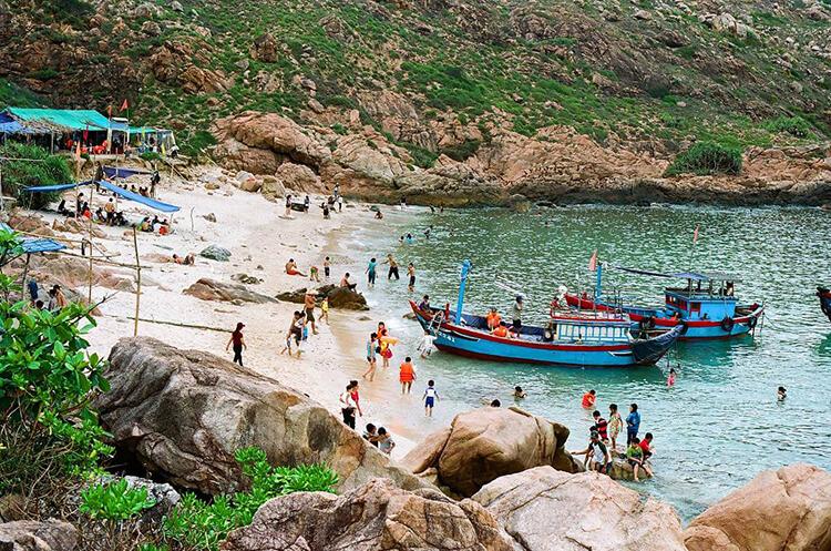 Top 12 bãi biển quy nhơn tuyệt đẹp để check in - 16