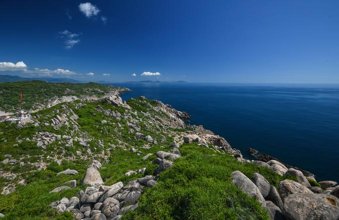 Những tảng đá thách thức trọng lực trên đảo ở quy nhơn bình định - 9